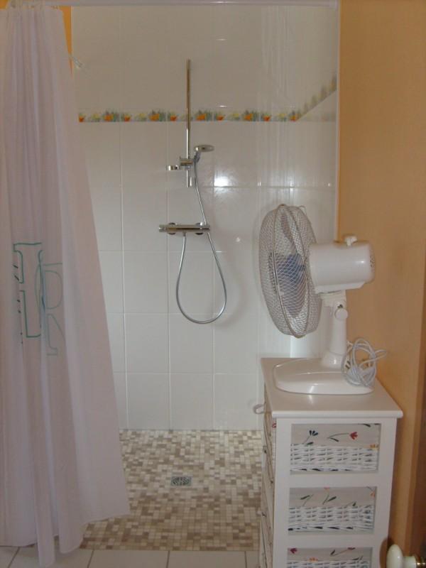 Salle de bain for Table a langer salle de bain